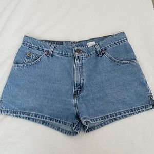 [Vintage] Levi's 912 Slim Fit Denim Shorts